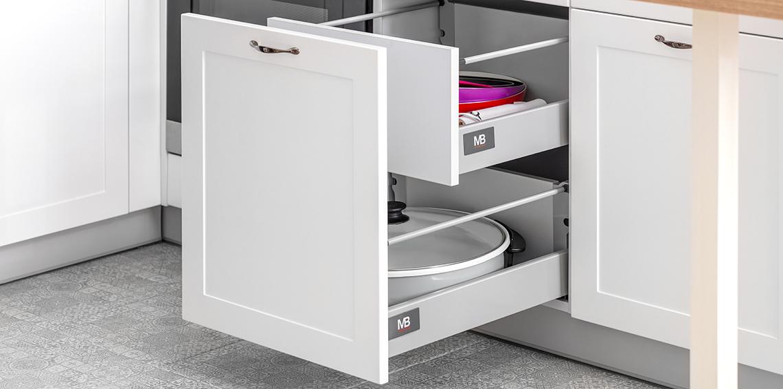 Samo domykające się prowadnice do szuflad i szaf - czy warto w nie inwestować?