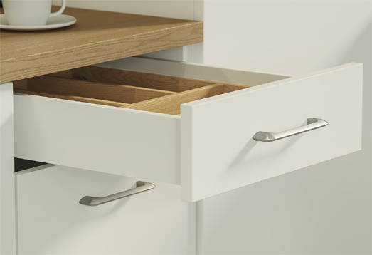 The AXIS PRO drawer system is a solution adapted to every type of room. It fits kitchen, bathroom and living room furniture, as well as wardrobes. We provide a wide range of design options, offering four standard and internal drawer heights.