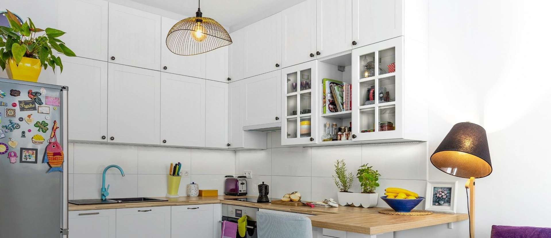 На светлой  стороне кухни