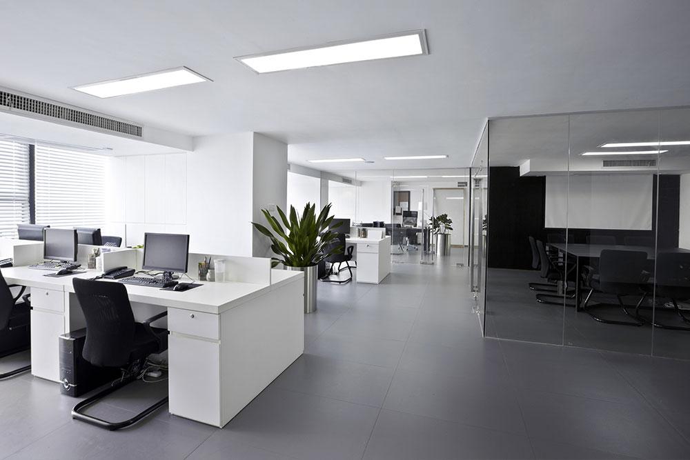 oswiecenie w biurze 3
